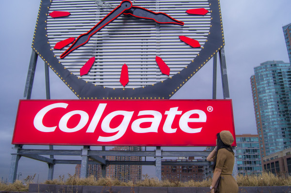 The Colgate Clock Styles