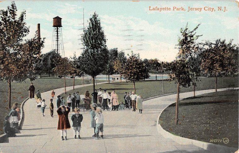 Lafayette Park 1910 (2)
