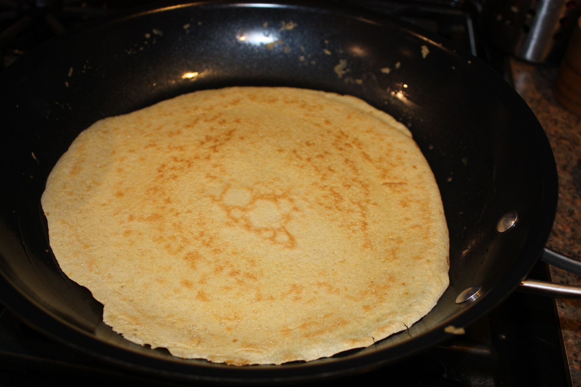 I cooked the 2nd crepe a bit longer, it's your choice!