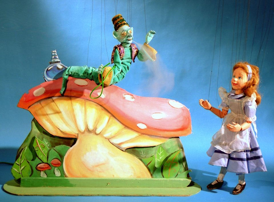 alice_in_wonderland_jctcpuppetworks