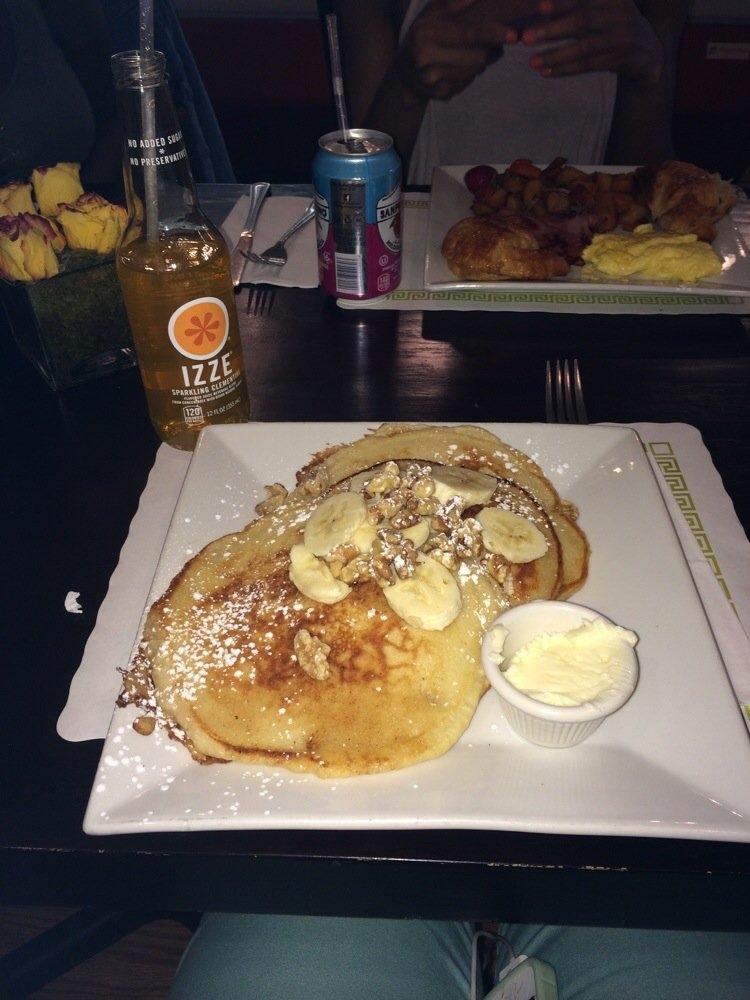 Photo by Shante L. –http://www.yelp.com/biz_photos/gia-gelato-and-cafe-jersey-city?select=m1qMQkFKnsDj9SADf7yr8w
