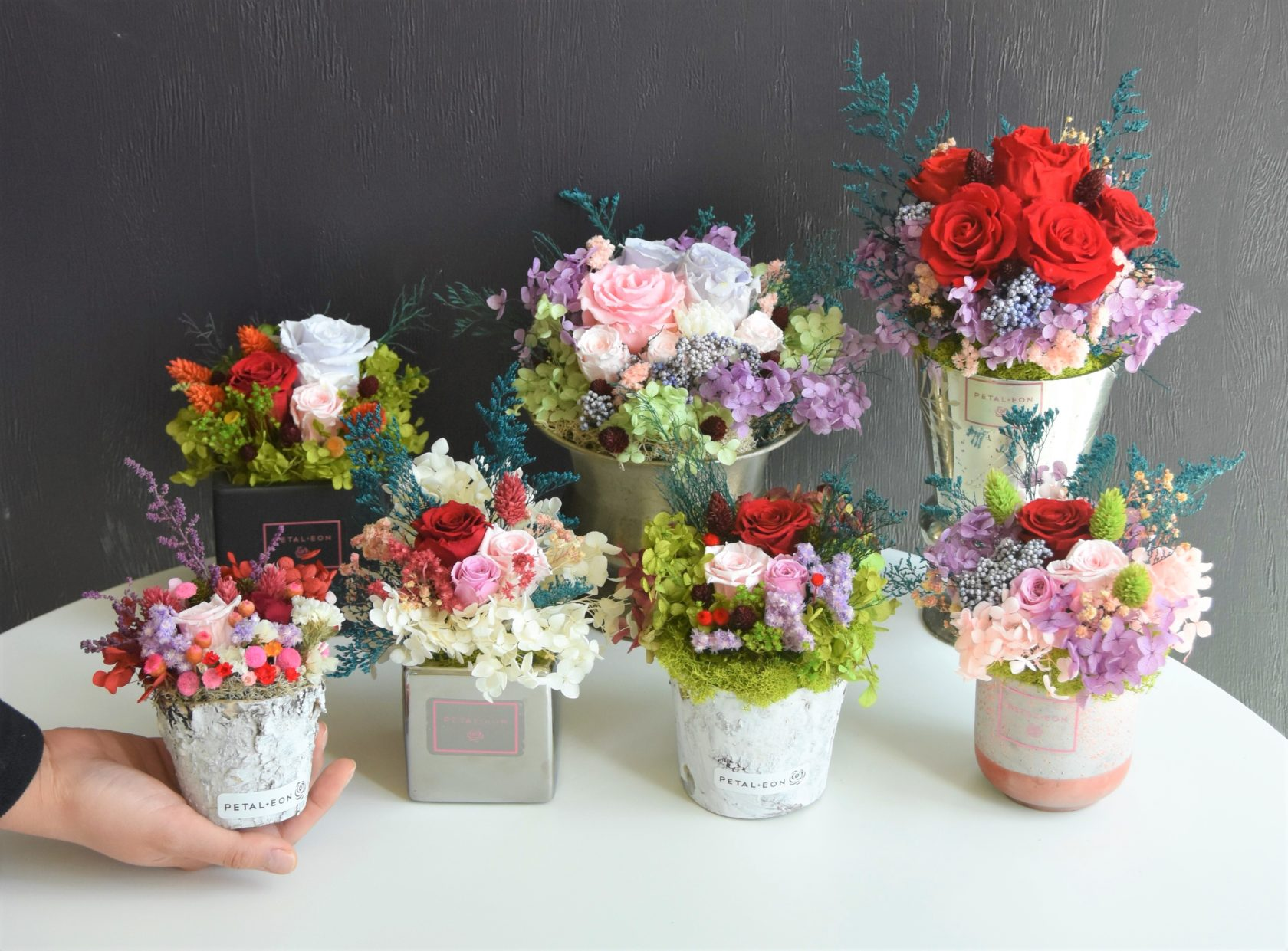 Make A Diy Floral Arrangement With Real Flowers That Last A Year